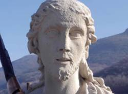 Besano - Riproduzione della statua di San Giovanni