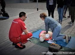 La campagna per i defibrillatori della Croce rossa di Luino
