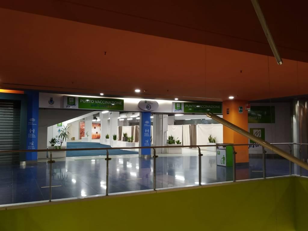 Inaugurazione centro vaccinale