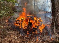 incendio renault clio rally dei laghi 2021