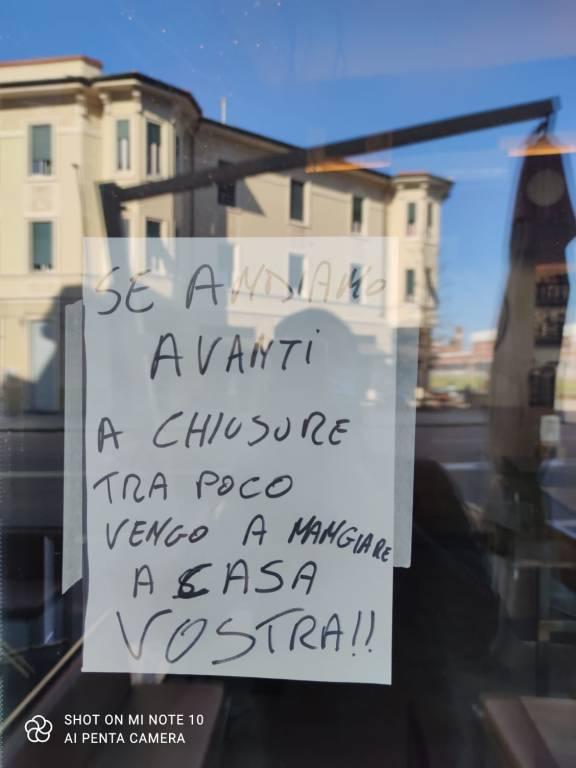 Protesta dei titolari di bar a Legnano