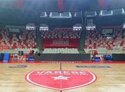 sold out di passione basket sagome tifosi pallacanestro varese