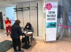 Arcisate - Primo giorno di attività all'hub vaccinale della Valceresio