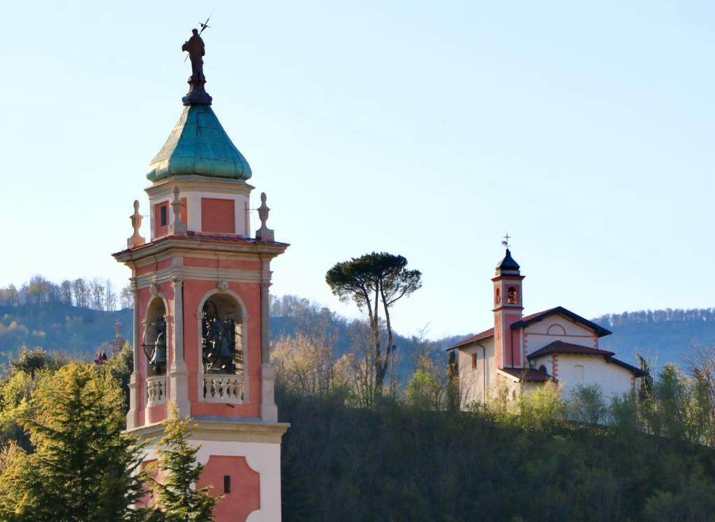 Besano, i due campanili - foto di Claudio Peruzzo