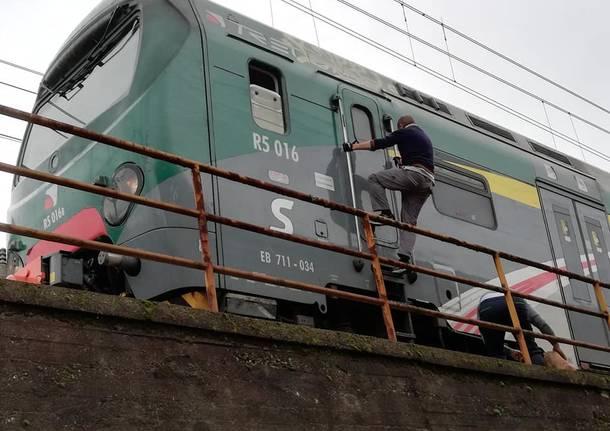 Cane salvato ferrovia Gallarate
