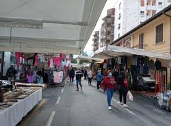 Luino, il mercato del mercoledì che resiste