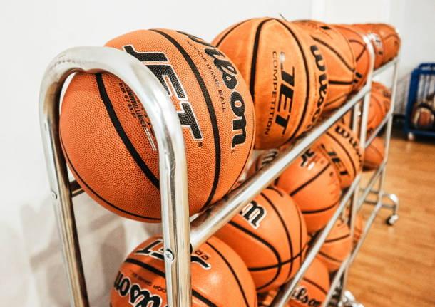 carrello palloni basket