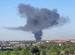 Incendio capannone a Vanzago