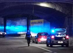 incidente polizia locale varese notte