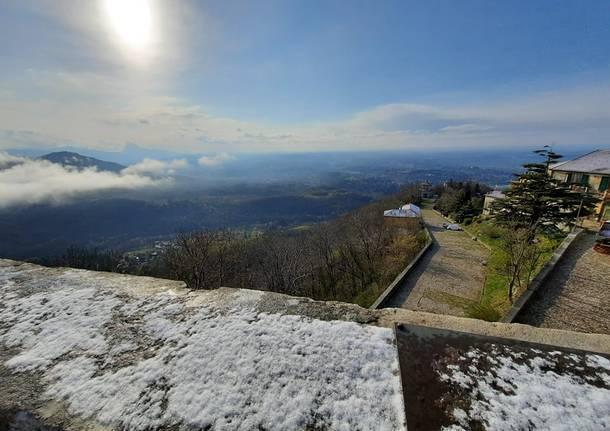 La neve del 15 aprile al Campo dei Fiori