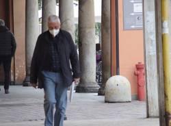 Le immagini del primo giorno in zona gialla a Saronno centro