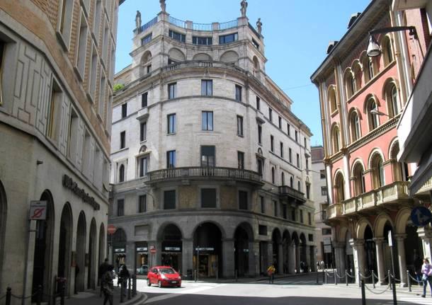Metamorfosi Urbana, capitolo nove: Corso Moro e il palazzo Sciarini
