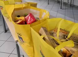 70 pacchi alimentari in dono alle famiglie bisognose. Il Centro Culturale Islamico di Saronno al fianco della comunità