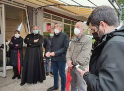 Inaugurazione stanza degli abbracci alla Monsignor Comi di Luino