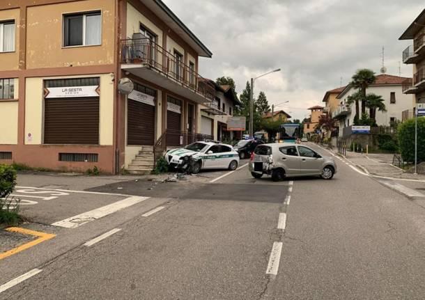 incidente auto polizia locale