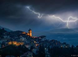 Temporale e lampi sul Sacro Monte - Foto Roberto Vanola