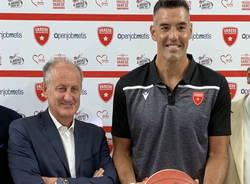 alberto castelli luis scola basket pallacanestro varese nel cuore