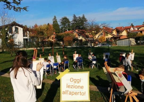 """Il """"Poster per la pace"""" premia e ispira l'arte """"en plein air"""""""
