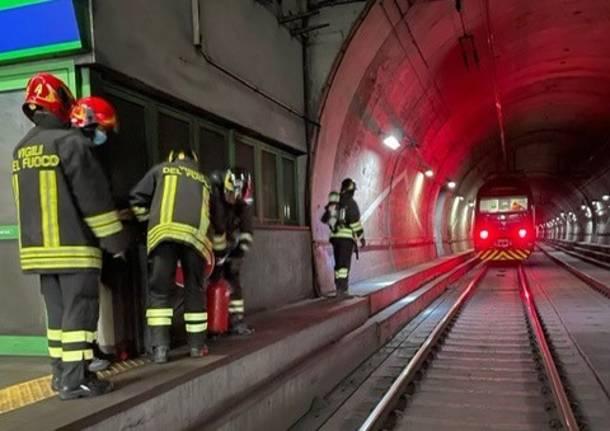 passante ferroviario incendio treno trenord