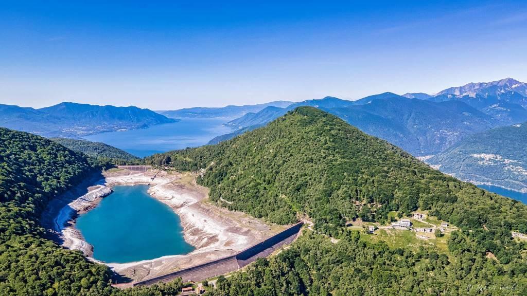 Il Lago Delio si affaccia sul Verbano