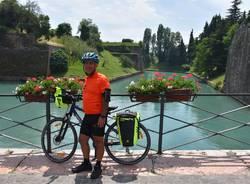 In bicicletta da Lomazzo a Taranto per beneficenza: si è conclusa l'avventura di Mimmo Carriero
