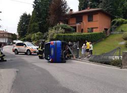 Incidente castronno auto ribaltata