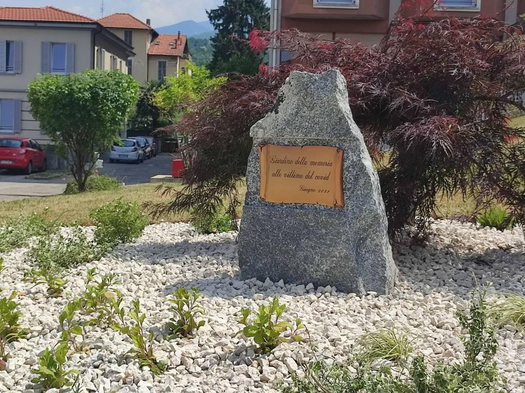 Luino - Un cippo per ricordare le vittime del Covid