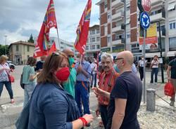 presidio a Varese per sciopero elettrico, gas e acqua