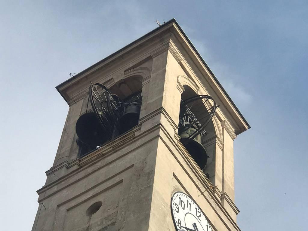 Problemi al campanile, vigili del fuoco e polizia locale in azione a Saronno