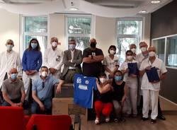 Squadra di pallavolo asst rhodense - donazione