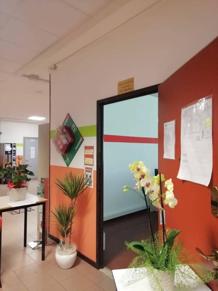 Tradate - L'aula di informatica del Montale intitolata alla professoressa Angela Rosato