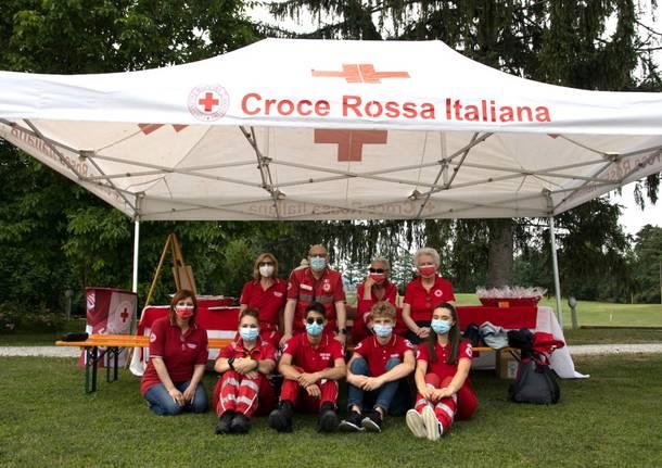 Varese, la cena d'estate della Croce rossa