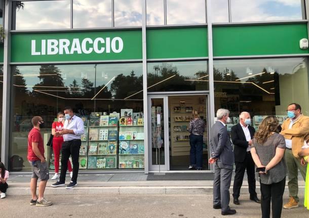 L'inaugurazione della libreria Il Libraccio a Masnago