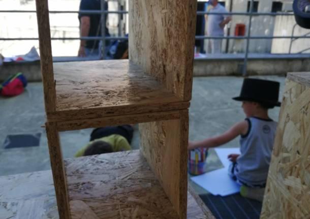 Bambini, architetti e attori riqualificano piazza De Salvo