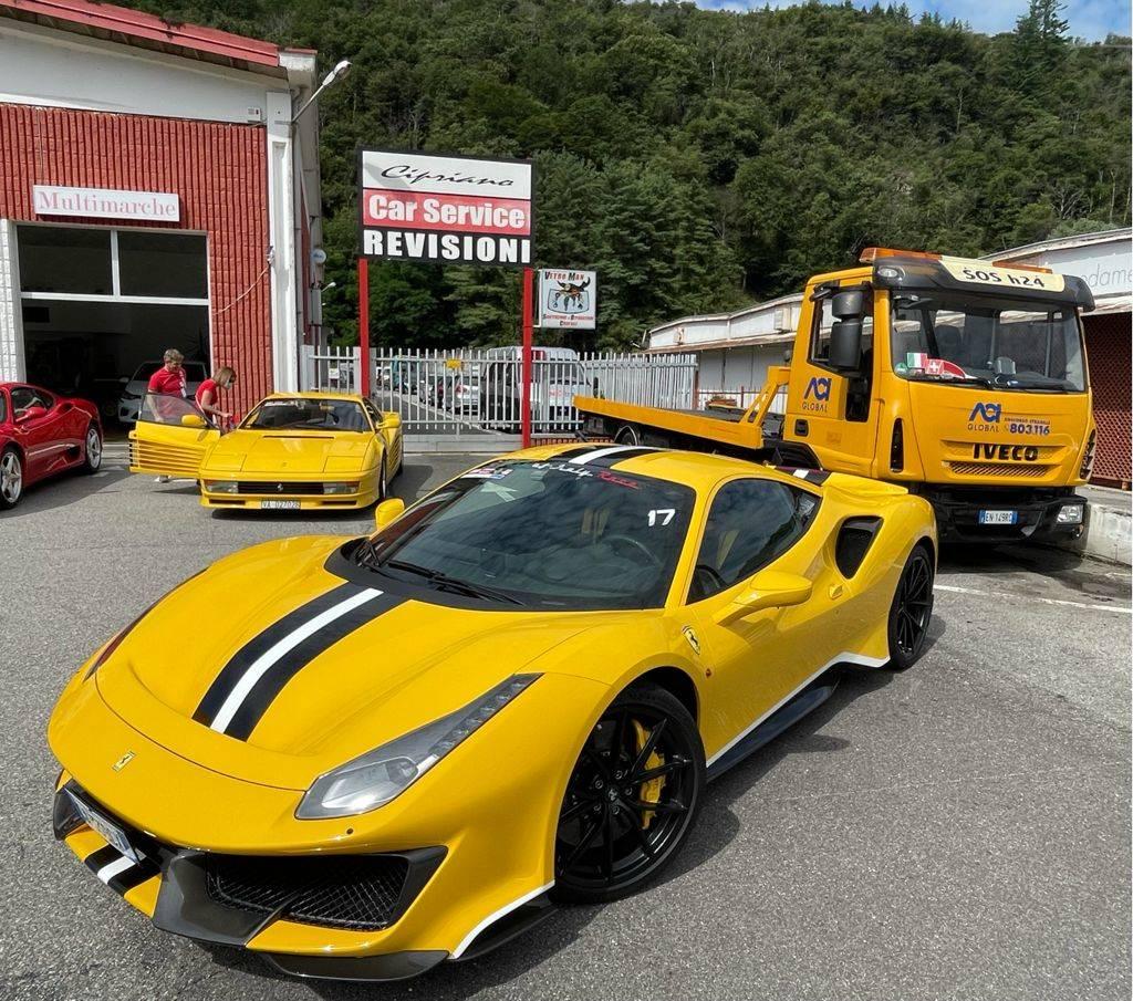 "Torna il motoraduno Ferrari \""Red passion\"""