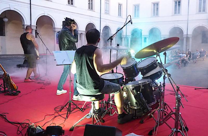 Concerto nel cortile del palazzo comunale a Busto Arsizio