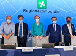 conferenza stampa vaccinazioni covid