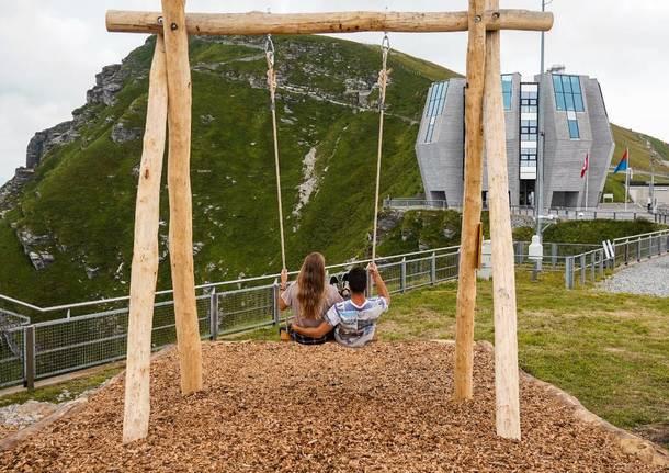 altalena swing the world monte generoso