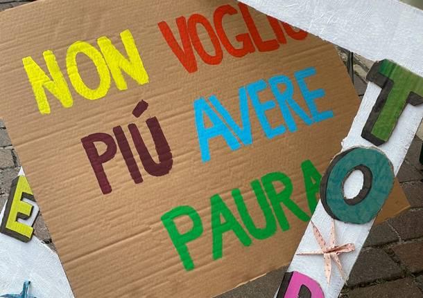 Il collettivo Origami in piazza a Saronno nel segno dei diritti