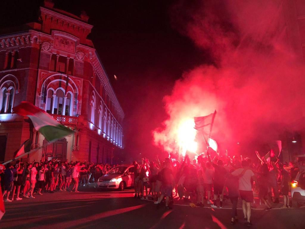 L'Italia vince gli Europei: in 5mila festeggiano per le strade di Legnano