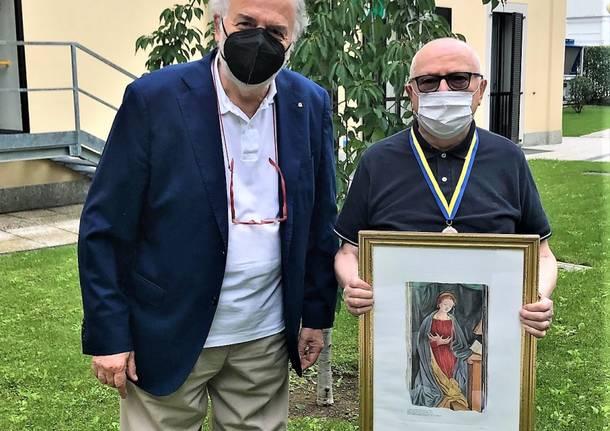 monsignor Olivetti premiato dal Rotary Ticino Gallarate