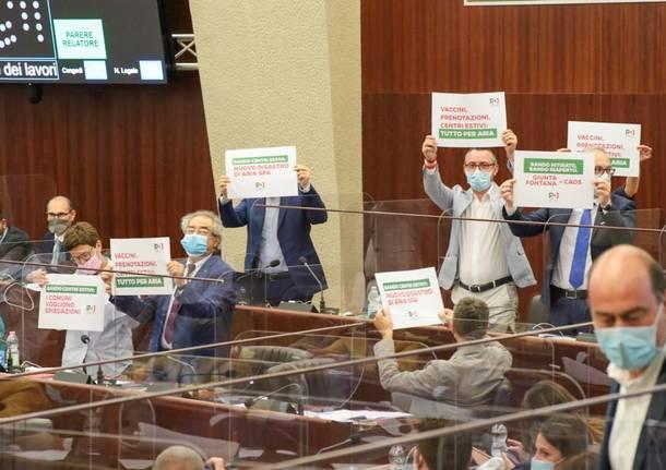 protesta in aula del PD