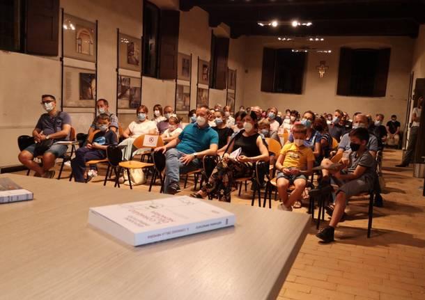pubblico sala consiglio comunale lonate pozzolo