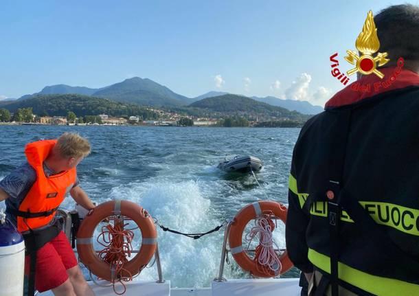 I Vigili del Fuoco soccorrono due turisti a largo del Maggiore