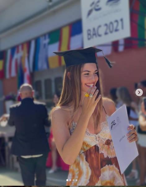Stella Bossari diplomata alla Scuola Europea