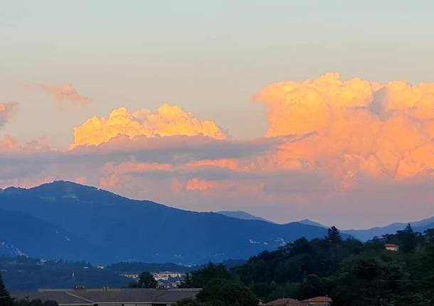 Nuvole colorate a Induno Olona