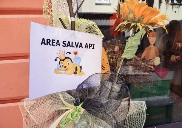 Via Cavallotti a Luino amica delle api