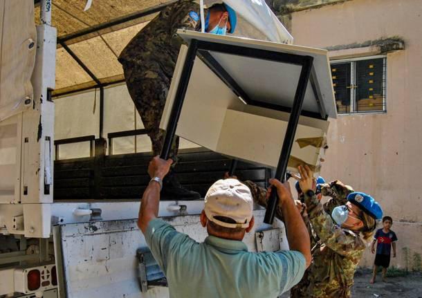 consegna mobili e computer donati a scuole del Libano da parte della Brigata Taurinense