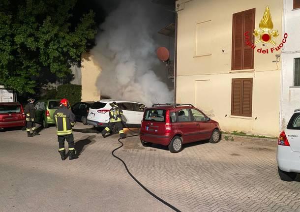 incendio auto luino