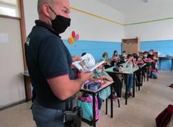 Carabinieri in cattedra alla primaria galilei di Avigno